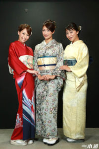 1pondo-042916_289 – Showa's Beautiful Mature Women Orgy Party