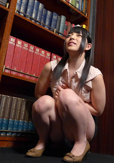 Caribbeancom 061115-897 – A Prank In Backstage: Bladder In Panic – Ai Uehara