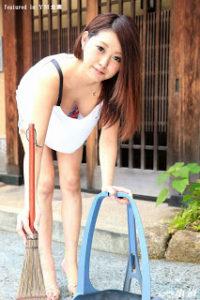 1pondo-111817_607 – Morning garbage draw out neighborhood play lover Nobra wife Miki Aomi